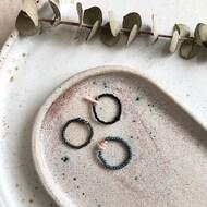 Uroczych pierścionków @otojewelry szukajcie u nas stacjonarnie na #osmańczyka12 💍✨  #mousehouseshop #bizuteria #biżuteria #otojewelry #pierscionek #pierscionekzkoralikow #kamyczki #dlaniej #błyskotki #naprezent