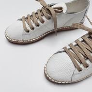Do lata, do lata, do lata piechotą będę szła! 🎶 Ale tylko w butach od @komfiszu 💕 Pssst! Boskie nowości wskoczyły na stronę!   #mousehouseshop #komfiszu #espadryle #sneakersy #butydamskie #robionerecznie #butysportowe #shoefashion #nowosci